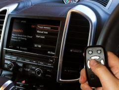 Universal, Plug & Play Digital Radio Interface Connected via FM AutoDAB FM